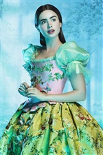 Lily Collins in The Brothers Grimm: Snow White iPhone Hintergrundbilder